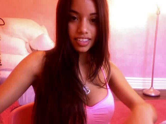 Lupe Fuentes on webcam